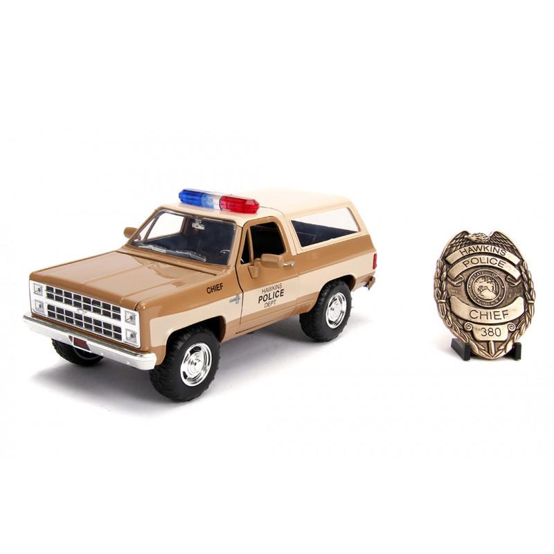 COCHE METAL STRANGER THINGS SHERIFF CHEVY K5 1:24